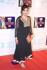 Shreya Ghoshal at the Zee Cine Awards 2013