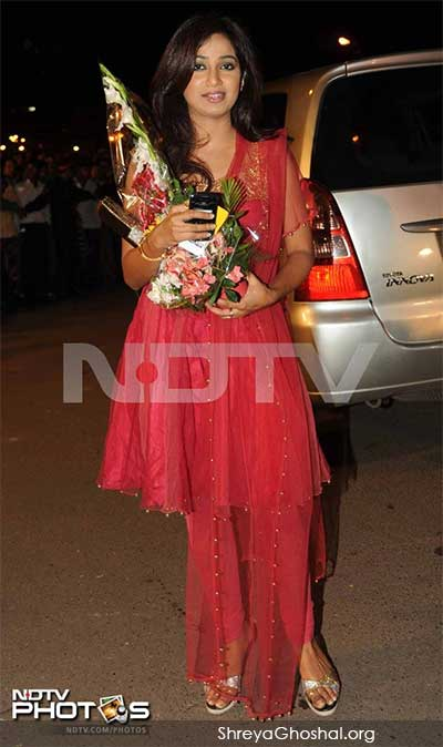 Shreya Ghoshal Marriage Photos Shreya ghoshal at boman irani