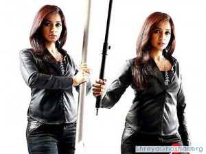 Shreya Ghoshal in wild black