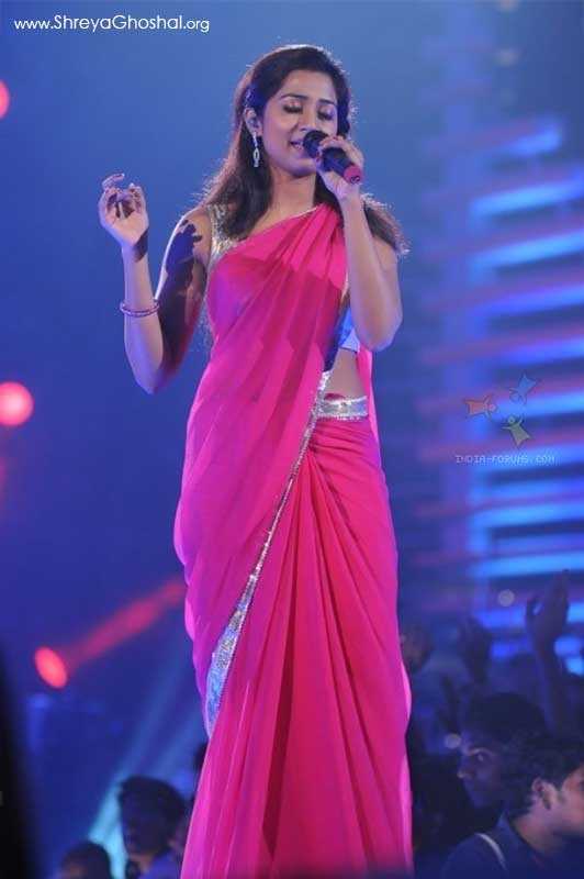 Shreya Ghoshal in the show Music Ka Maha Muqqabla