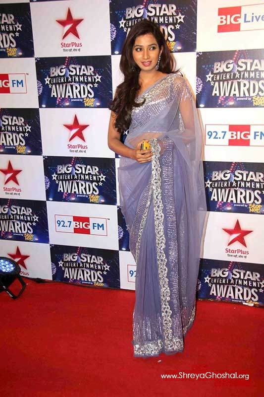Shreya Ghoshal at Big Star Awards 2011