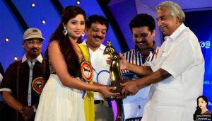 Shreya Ghoshal at Kerala State Film Awards 2012