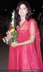 Shreya Ghoshal @ Boman Irani's son reception