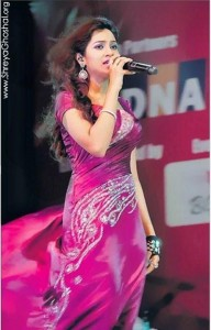 Shreya Ghoshal looks gorgeous in pink