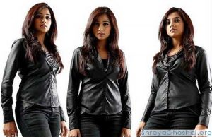 Shreya Ghoshal and her black jeans