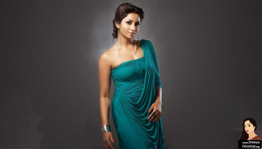 shreya ghoshal wears green dress