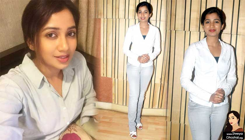 Shreya ghoshal wears white sports