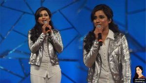 Shreya Ghoshal at Mumbai Police Show 'Umang' 2013