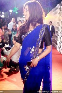 Shreya Ghoshal @ Mirchi Awards 2013