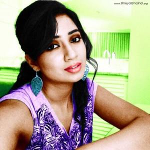 clicked by Shreya Ghoshal - soo hungry, waiting