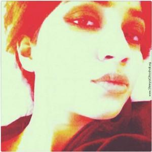 clicked by Shreya Ghoshal - sexy