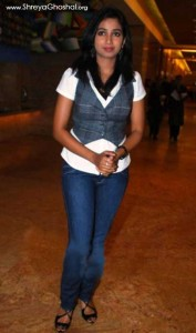 shreya ghoshal wearing jeans