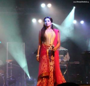 shreya ghoshal in saree